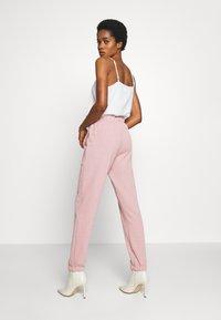 Topshop - BRONTE SLIM JOGGER - Pantalon de survêtement - pink - 2