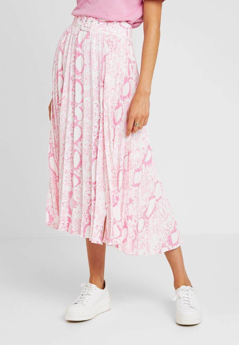 Topshop - SNAKE PLEAT MIDI - Veckad kjol - pink