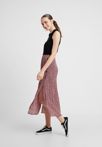 Topshop - ANIMAL MICRO PLEAT - Gonna a pieghe - pink - 1