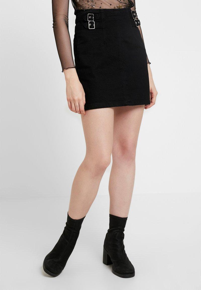 Topshop - BUCKLE ALINE SKIRT - Spódnica trapezowa - black