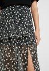 Topshop - STAR RUFFLE - A-snit nederdel/ A-formede nederdele - black