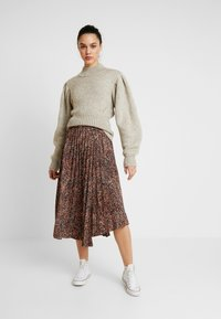 Topshop - TEXTURED ANIMAL PLEAT - A-line skirt - brown - 1