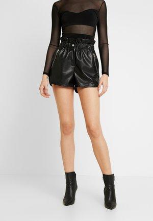 RUNNER - Shorts - black