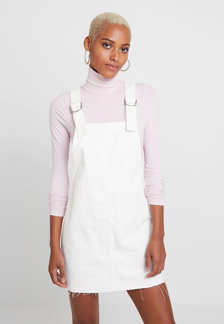 Topshop - RING PINI - Denimové šaty - white