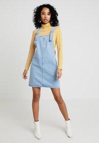 Topshop - RING PINI - Vestito di jeans - blue denim - 1