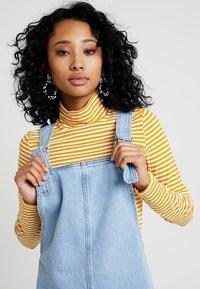 Topshop - RING PINI - Vestito di jeans - blue denim - 3