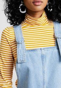 Topshop - RING PINI - Vestito di jeans - blue denim - 5