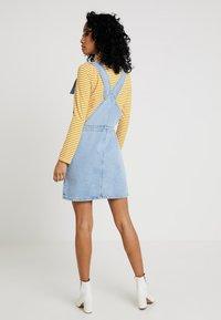 Topshop - RING PINI - Vestito di jeans - blue denim - 2
