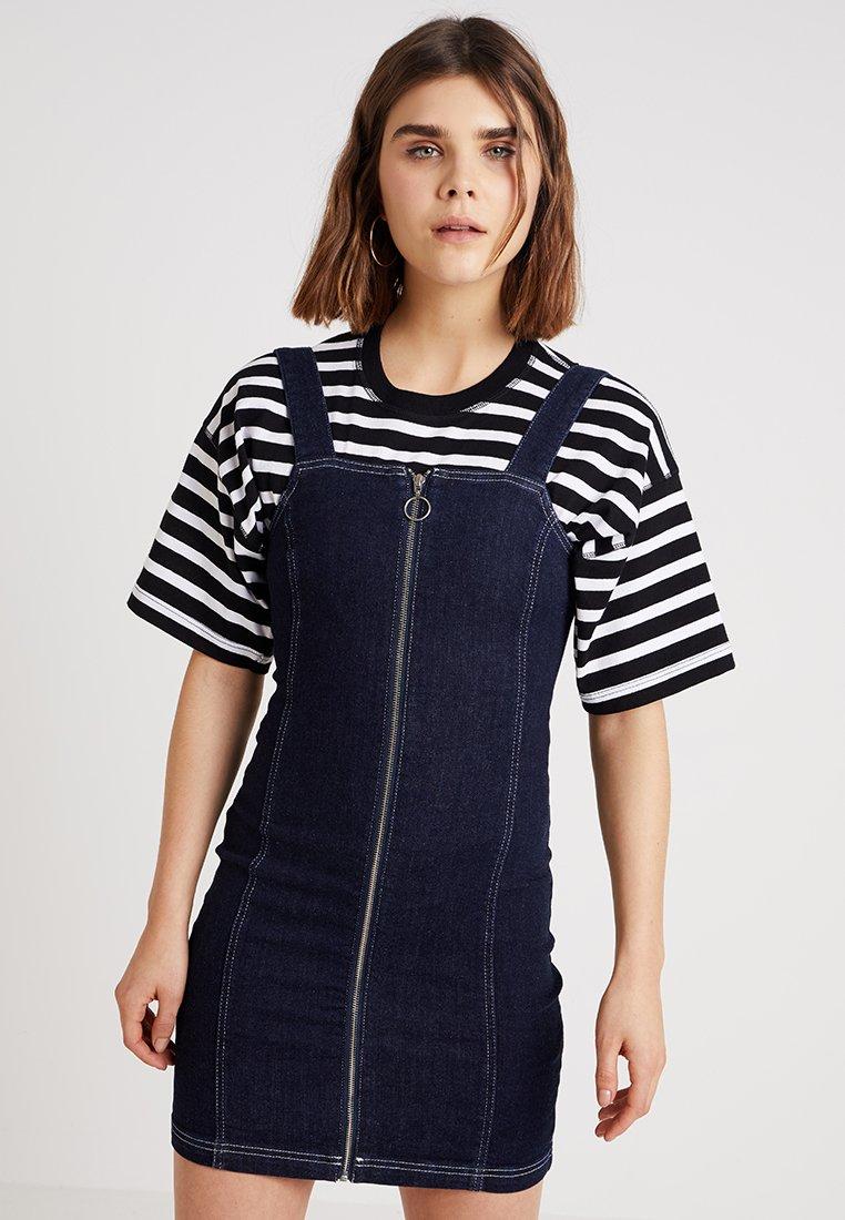 Topshop - SQUARE STRETCH DRESS - Jeanskleid - indigo