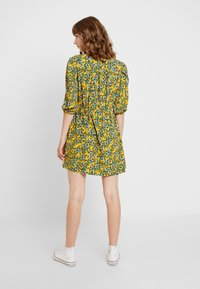 Topshop - FLORAL PLEAT TRIM MINI - Abito a camicia - yellow - 3