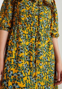 Topshop - FLORAL PLEAT TRIM MINI - Abito a camicia - yellow - 6