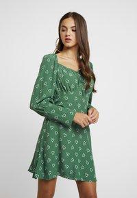 Topshop - PRAIRIE FLIPPY DRESS - Vestito estivo - green - 0