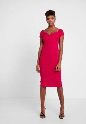 BARDOT - Pouzdrové šaty - red