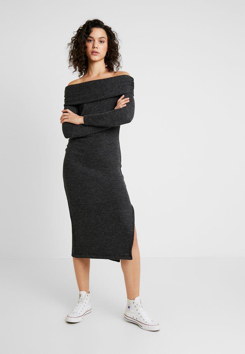 Topshop - CUT AND SEW BARDOT DRESS - Pletené šaty - charcoal
