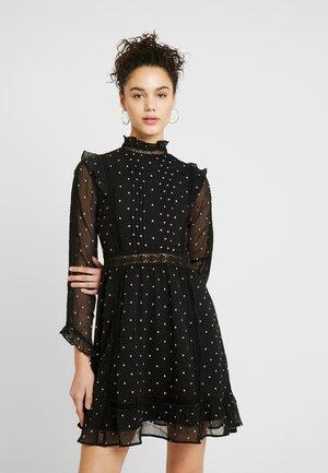 DOBBY SPOT MINI - Denní šaty - black