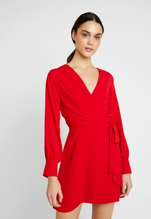 TWIST FRONT - Robe d'été - red