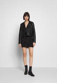 Topshop - GYPSY DEVORE DRESS - Denní šaty - black - 1