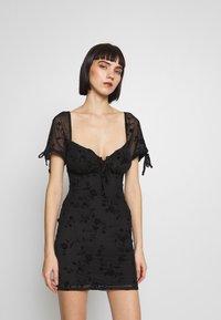 Topshop - GYPSY DEVORE DRESS - Denní šaty - black - 2