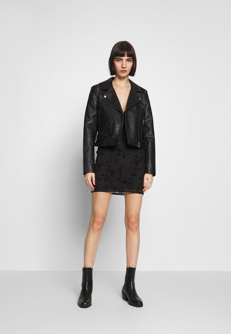 Topshop - GYPSY DEVORE DRESS - Denní šaty - black