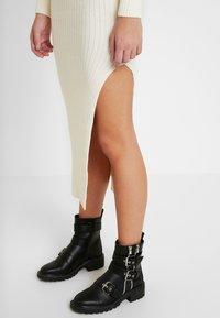 Topshop - ROLL NECK DRESS - Abito in maglia - off white - 3