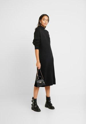 MIX DRESS - Abito in maglia - black