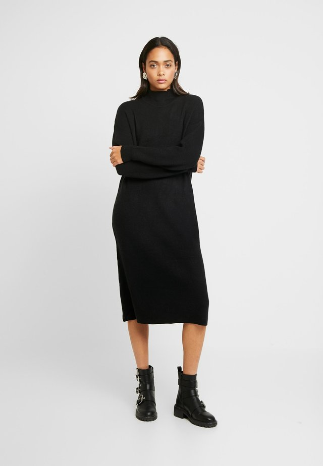 MIX DRESS - Stickad klänning - black