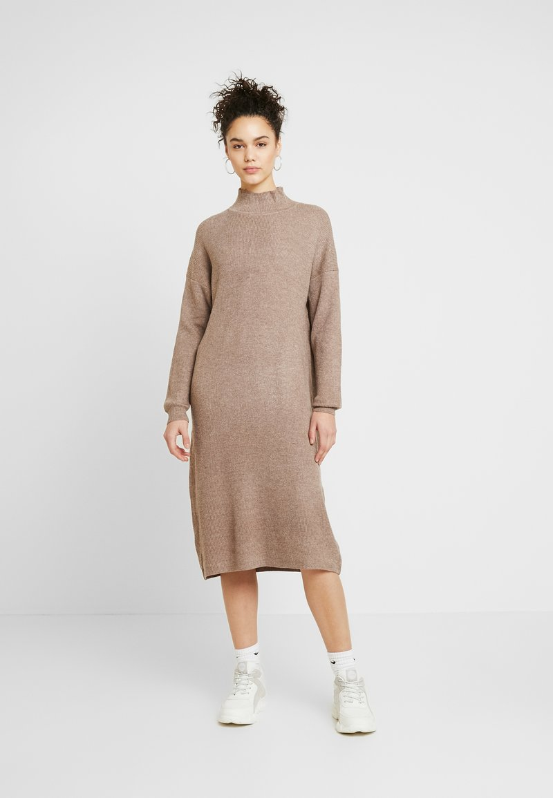 Topshop - DRESS - Robe pull - mink
