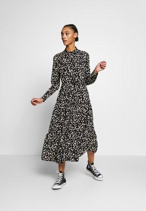 TIERERED DRESS - Vestito estivo - monochrome