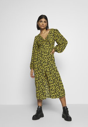 TWIST FRONT - Vestido informal - yellow