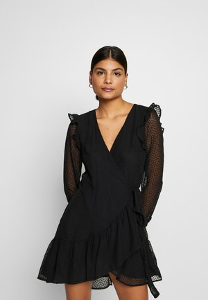 TEXTURED RUFFLE - Korte jurk - black