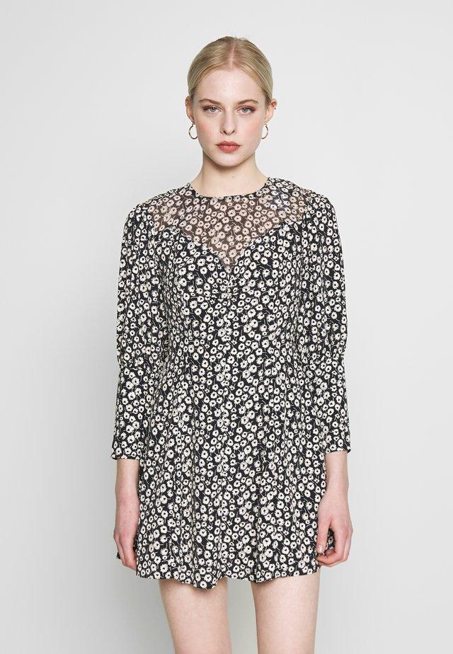 GRUNGE TWIST - Korte jurk - black