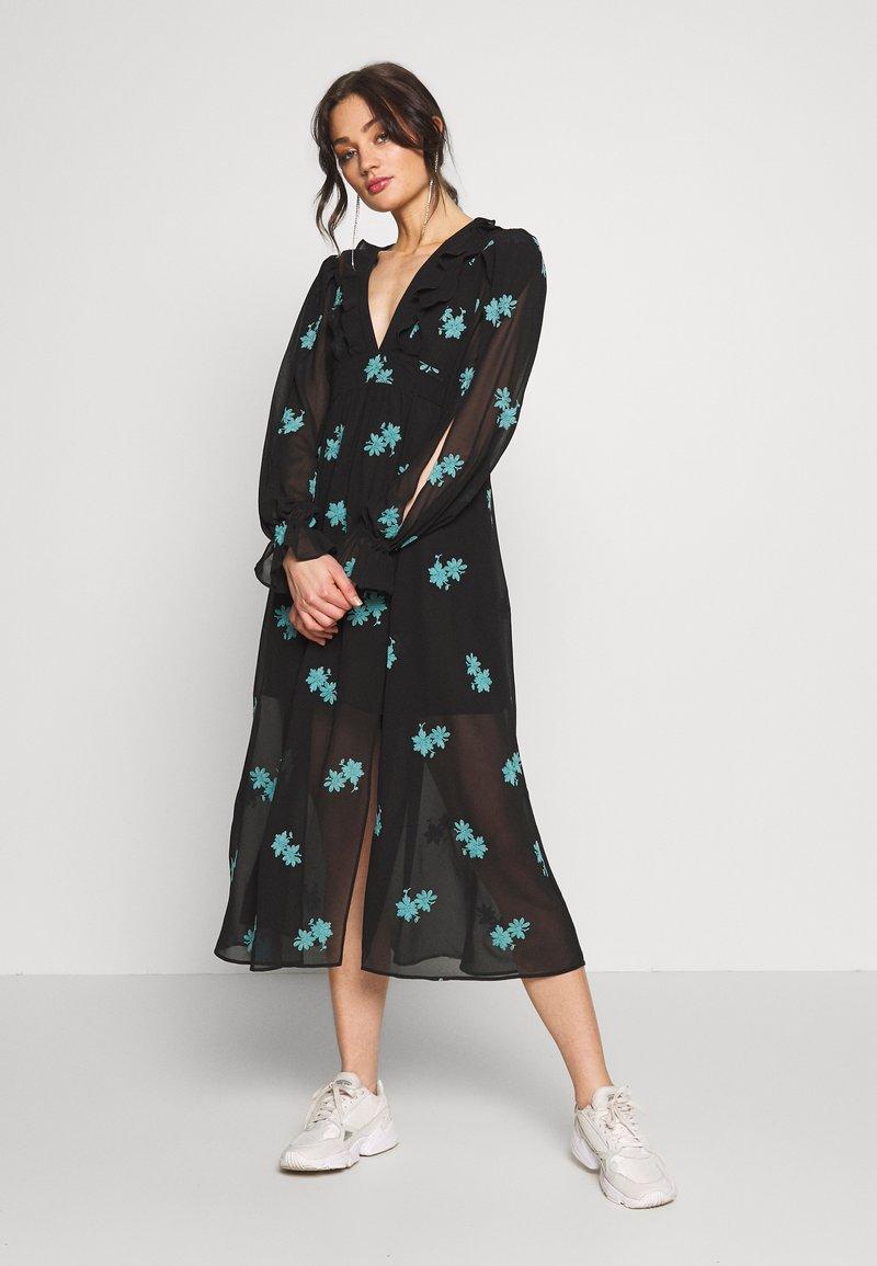Topshop - EMBELLISHED MIDAXI - Korte jurk - black