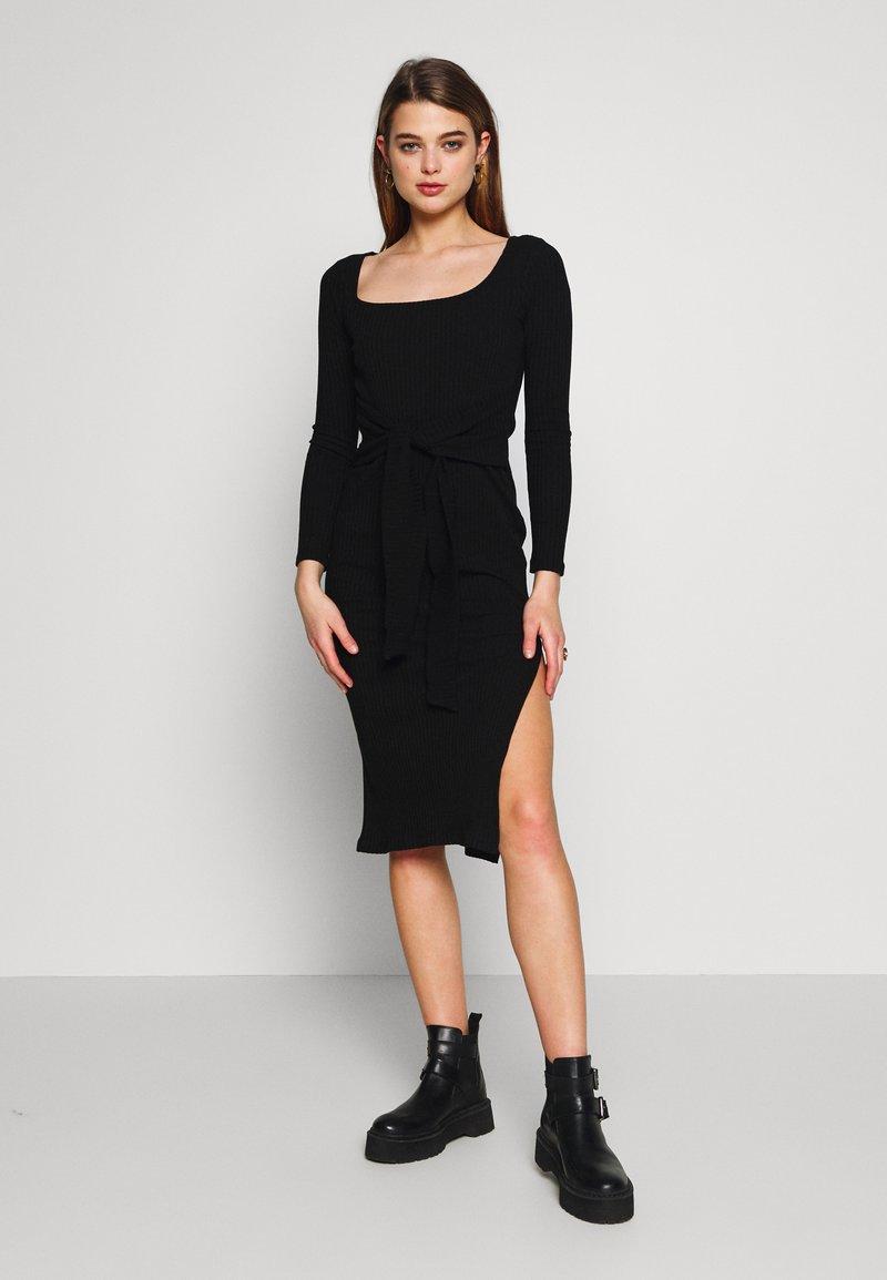 Topshop - BODYCON - Pouzdrové šaty - black