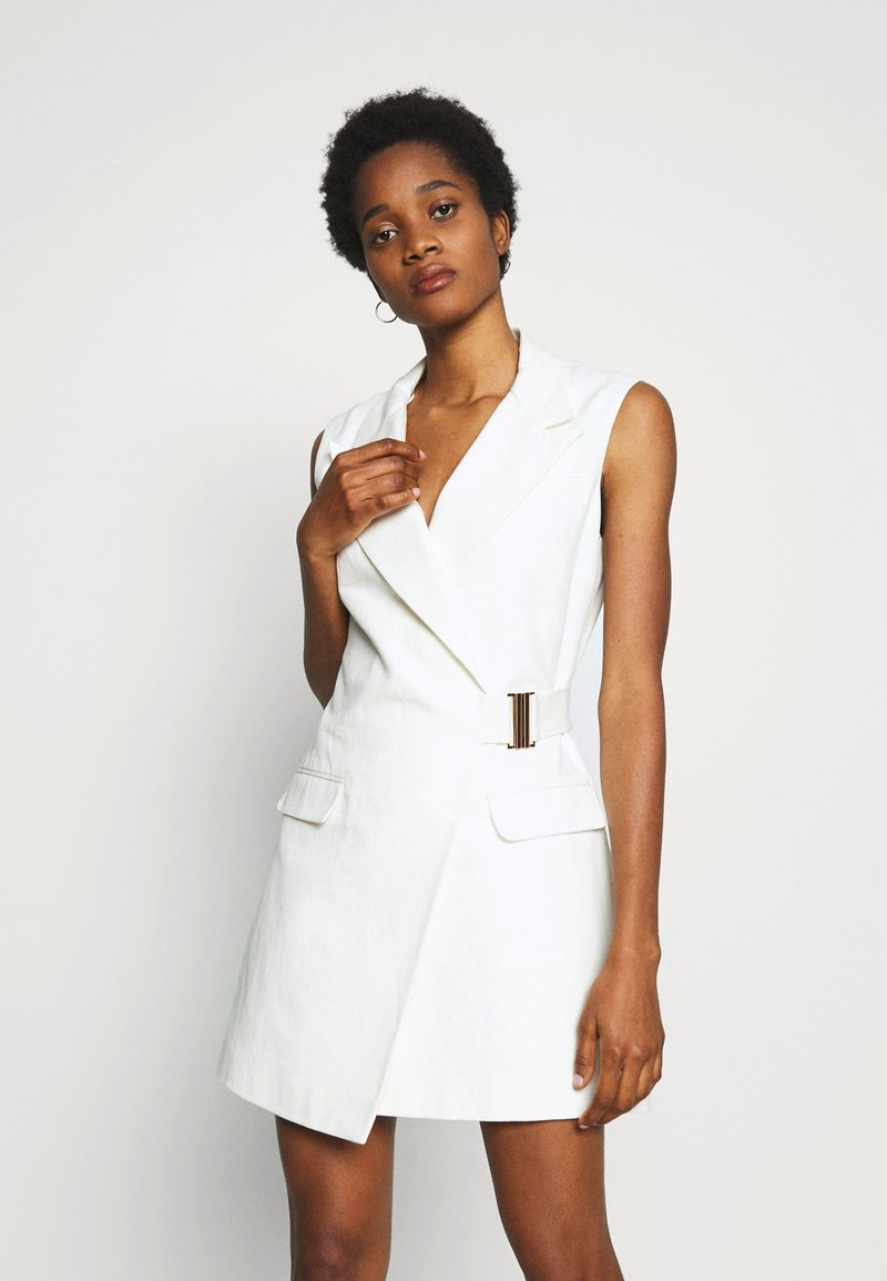 Topshop - SLEEVELESS BELTED DRESS - Korte jurk - ivory