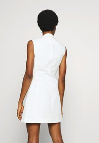 Topshop - SLEEVELESS BELTED DRESS - Korte jurk - ivory - 2