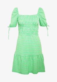 Topshop - GINGHAM SHIRRED TEA DRESS - Vardagsklänning - green - 3