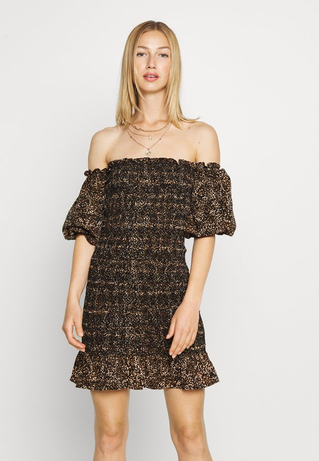 SHIRRED BARDOT MINI DRESS - Tubino - brown