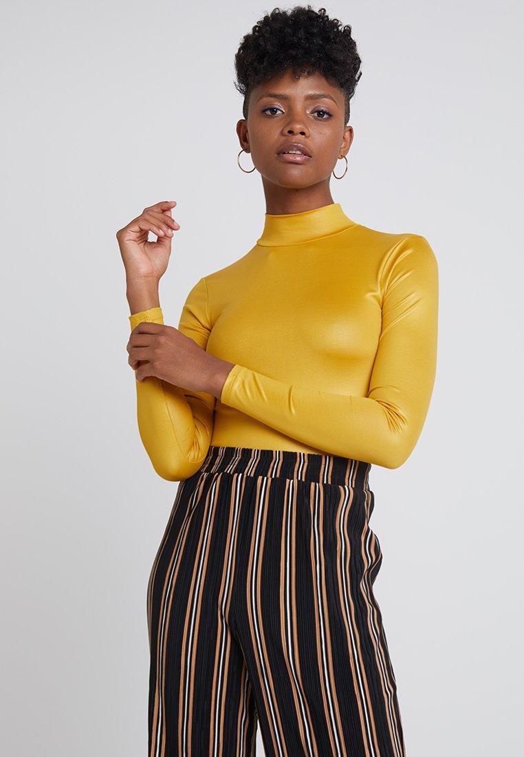 Topshop - SHINY FUNNEL - Langærmede T-shirts - mustard