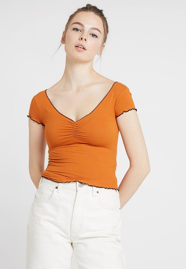 Topshop - RUCHED TEE - T-Shirt print - rust