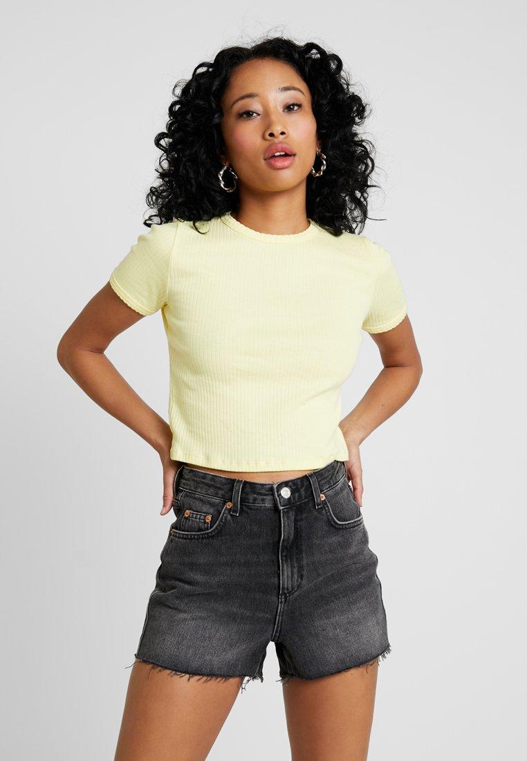 Topshop - SCALLOP TEE - T-Shirt print - lemon