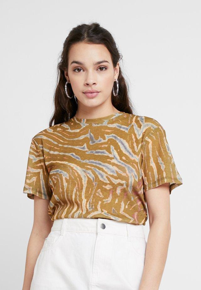 CAMO TIGER - T-shirt print - orange