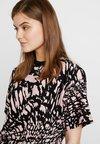Topshop - SWIRL ANIMAL BOXY TEE - T-Shirt print - pink