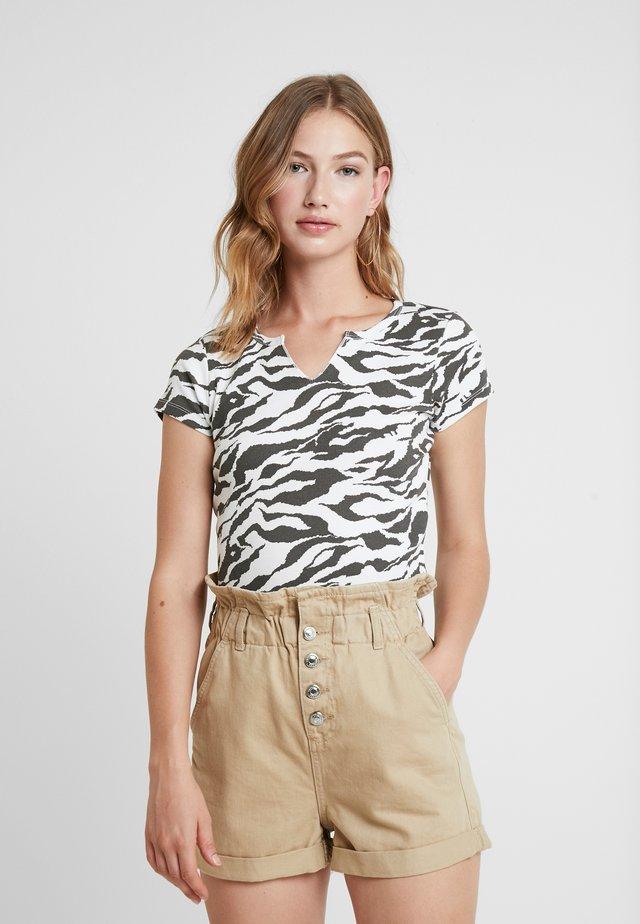 TIGER PRINT - Print T-shirt - white/anthracite