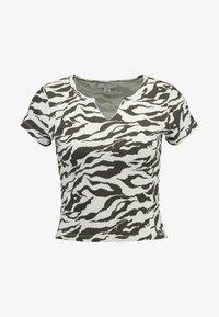 Topshop - TIGER PRINT - Camiseta estampada - white/anthracite - 4