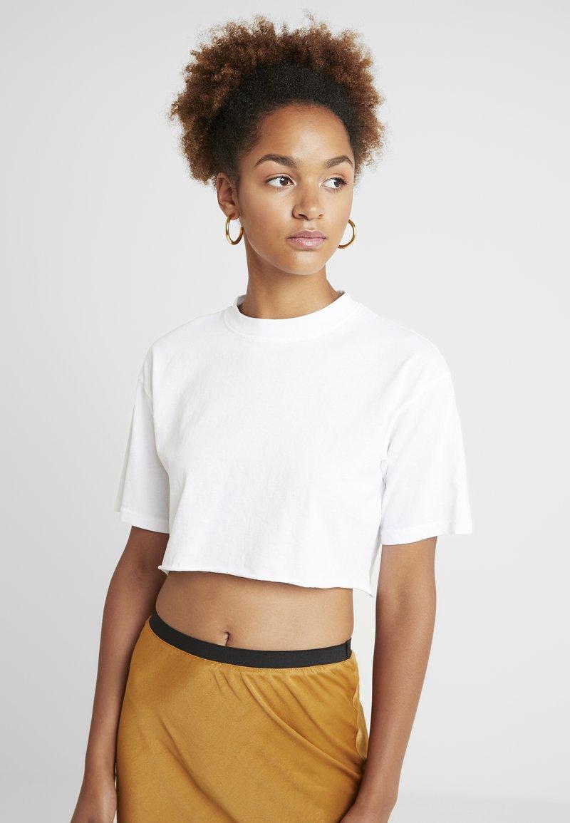 Topshop - WASHED CROP TEE 2 PACK - T-Shirt print - black/white