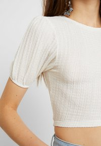 Topshop - PUFF SLEEVE - T-Shirt print - cream - 5
