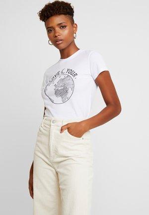 LOVE YOUR WORLD - T-shirt med print - white