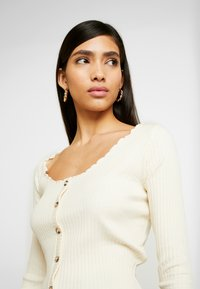 Topshop - LETTUCE BUTTON - Long sleeved top - cream - 4