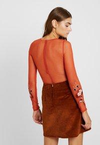Topshop - APPLIQUE - Långärmad tröja - burgundy - 2