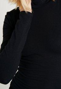 Topshop - FUNNEL 2 PACK - T-shirt à manches longues - black/white - 4